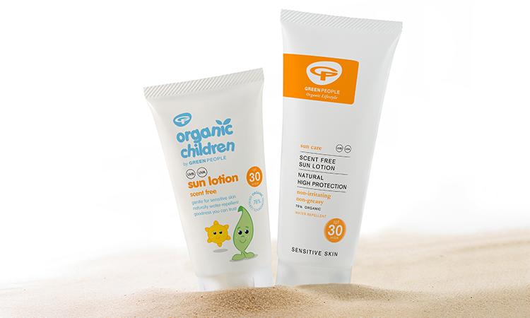کرم ضد آفتاب مناسب در دوران بارداری